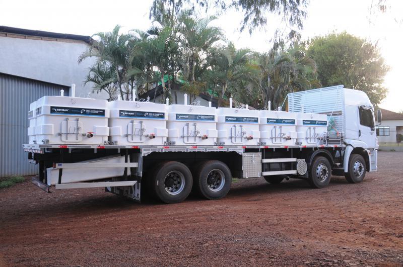 Caixa térmica para transporte de peixes